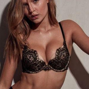 Victoria's Secret sexy black lace bombshell bra